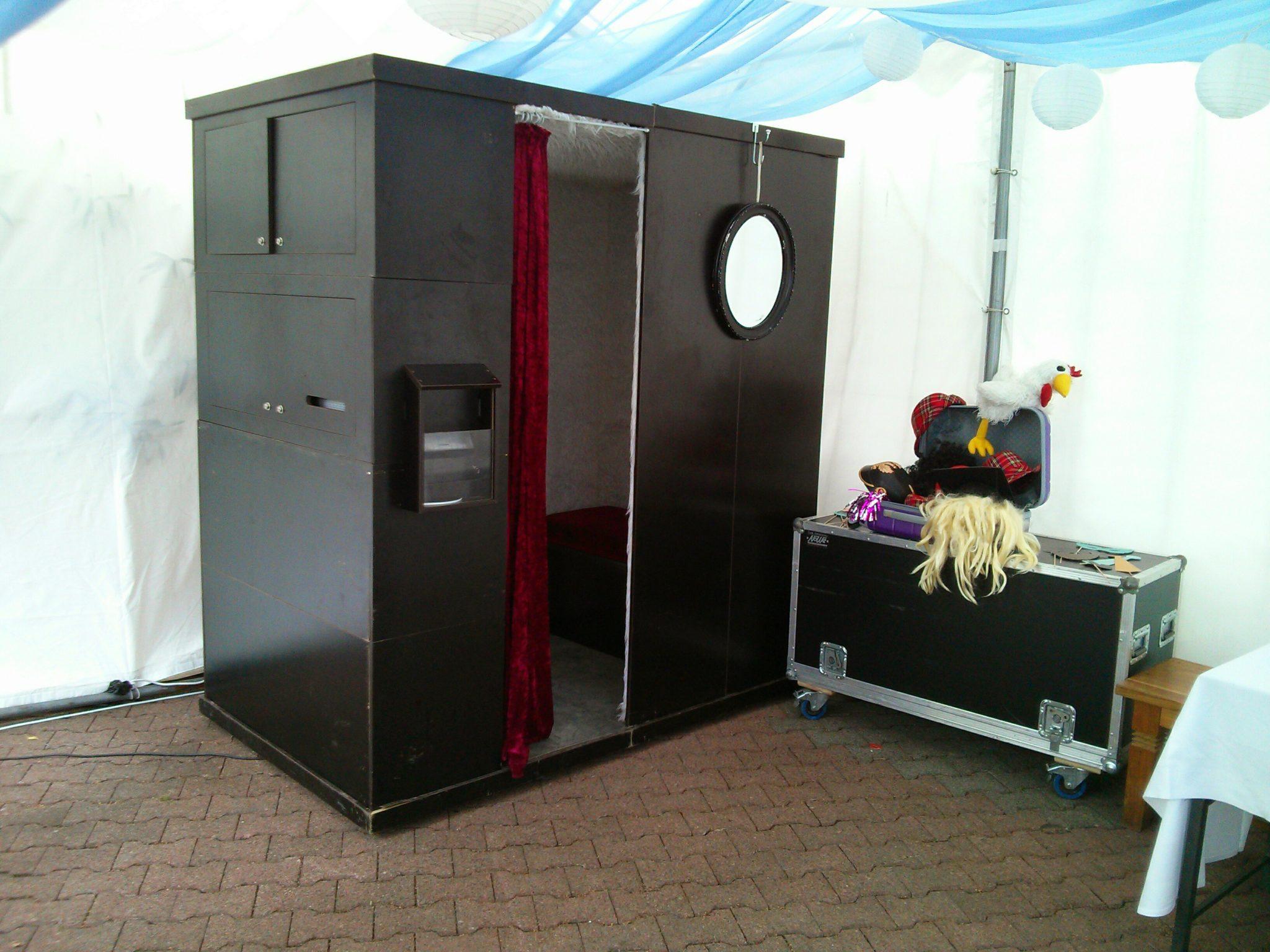 Die Fotobox Auf Einer Hochzeit In Duisburg Am Rhein Die Fotobox